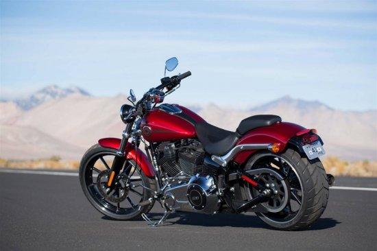 Новый мотоцикл Harley-Davidson Softail Breakout 2013